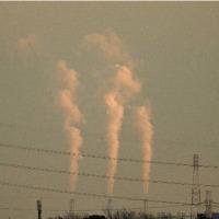 風の強さは火力発電所の煙で知る