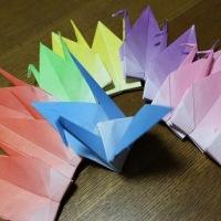 祈りの折り鶴と🌺🌺