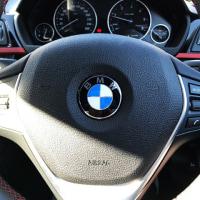 F31女子 BMWのハンドルの重さ