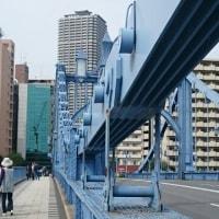 歴史を感じる永代橋