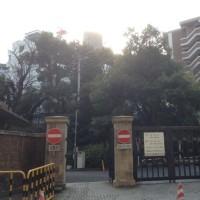 東大医学部付属病院裏から上野公園へ