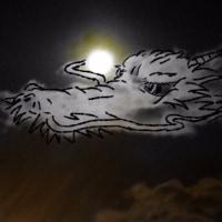 龍の雲に絵を描いてみました。