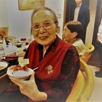 高齢者住宅で10月11月生まれの誕生日会