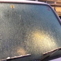 気温−2℃大霜の朝。