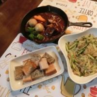 豚肩デミ煮込み&ザーサイとキュウリの中華風和え&ゴマとクルミのパン