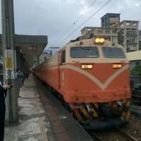 車止め 台湾 Jidoxi駅(礁渓駅?)