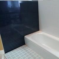 中高年の浴室リフォーム:壁と床の選択