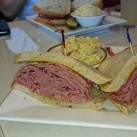 アメリカのパストラミビーフ・サンドイッチ