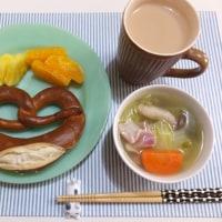 プレッツェルで朝ごはんと 箸置きに癒される朝