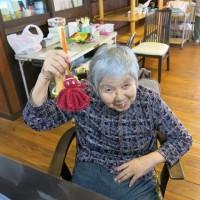 毛糸でタコ作り。
