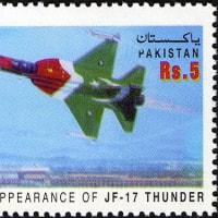 世界の名機  JF 17 Thunder Vs 4 Su 30 MKI