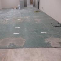 塗床の上に長尺シート貼 サンゲツ・エスリューム