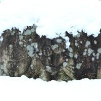 雪の道祖神:安曇野市御法田