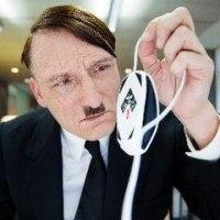 帰ってきたヒトラー(2015)**ER IST WIEDER DA
