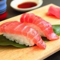 スーパーの寿司が激変!? 10倍おいしくなる意外な裏技を試してみた…!