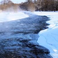 厳寒に川霧立つブルーリバー