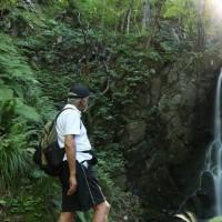 墓参り2016(3) 昨年、川べりで足を滑らし滑落した「薄衣の滝」を再度訪れた