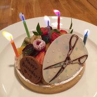 ハサミのお誕生日ケーキ。。