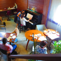 6月下旬の花模様とカフェコンサート。