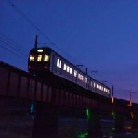 上り列車は山から町へ