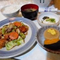 「スナック/珈琲 新樹」、国分町のスナックで、ママおまかせの肉野菜炒め定食