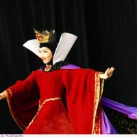 女王 :邪悪なヴィランズ 〈ワンマンズ・ドリームⅡ - ザ・マジック・リブズ・オン 〉