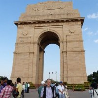 楽しかった旅の一コマ (129)  ニューデリーのインド門