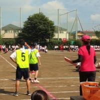 中学校の運動会を見学し、午後は座間・星野くみ子さんの応援に。