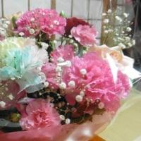 カーネーションの花籠