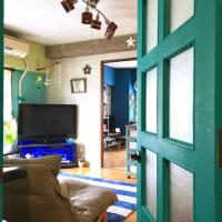 青い扉の向こう