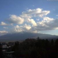 退院しました。効果あり 入道雲多しの富士と浜周辺
