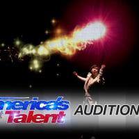 【日本人のパフォーマンスです】Hara: Visual Artist Makes a Stunning Entrance - America's Got Talent 2016 Auditions