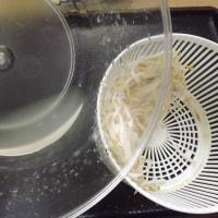 「バリバリサラダ」(水切り器)