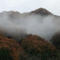 2016年11月26日(土)払沢の滝、「日本の滝、百選」に選ばれている滝、滝と積雪と紅葉の撮影です。