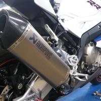 S1000RR Akrapovic スポーツサイレンサーのご紹介
