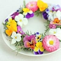 ちいさな花で、春色リース*