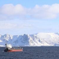 ロシア貨物船がLaukvik沖合で船体傾斜   ノルウエー