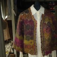 長野の金子屋本店では母が40年間研究した秘伝のカスパリー編みの応用を教えております
