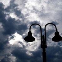 『街灯と雲』他