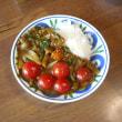 モロヘイアとミニトマトのカレーのカレー写真