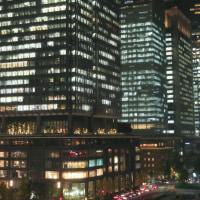 夜の摩天楼