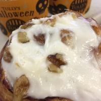 シナモンロール 胡桃入濃厚クリームのせ ハロウィン仕様 タリーズコーヒー