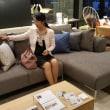 建築設計と家具デザインセレクトで変化する実質的な暮らしの価値、ソフトとハードのバランスを価値観に基づきつつも「さり気無い特別」を意識出来る様に家具をレイアウトする事、バランス良い暮らしの空間。