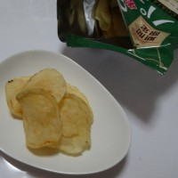 パクチー風味のポテトチップス