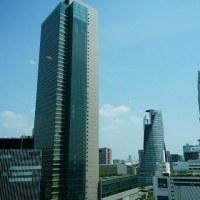 JRタワーズからJRゲートタワーへのつなぎ目から見るミッドランド&スパイラル