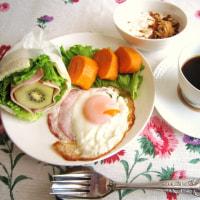 今朝は 冷え込み (@_@;) ぎゅうぎゅうサンド? で 朝食♪
