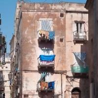 2005.04.23 イタリア プッリャ州 ターラント(2): 洗濯物翻る旧市街