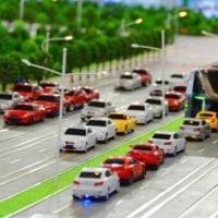 巨大障害物に成り果てた中国の「車をまたいで走るバス」、実験施設撤去へ