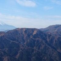 ヤビツ峠から大山(1252m)