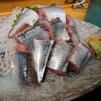 横浜中央市場・もみじや で サンマの刺身定食
